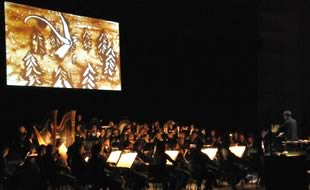 2009 - Live sand drawing with symphonic orchestra, Auditorium Lyon